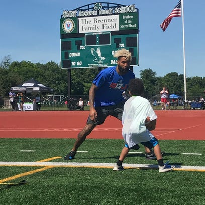 New York Giants wide receiver Odell Beckham Jr. interacts