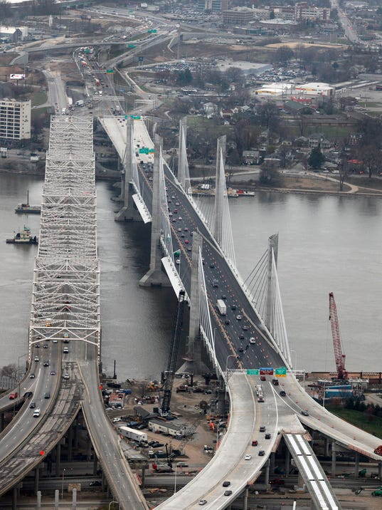 Drivers Adjust Quickly To New Lincoln Bridge
