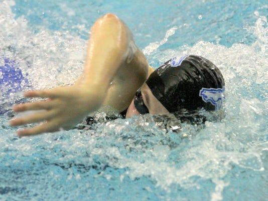 ELM 201500909 GirlsSwimming_01