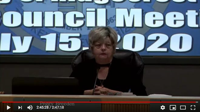 Mayor Peggy Breeden makes the emotional announcement that she does not plan to run again after three terms.