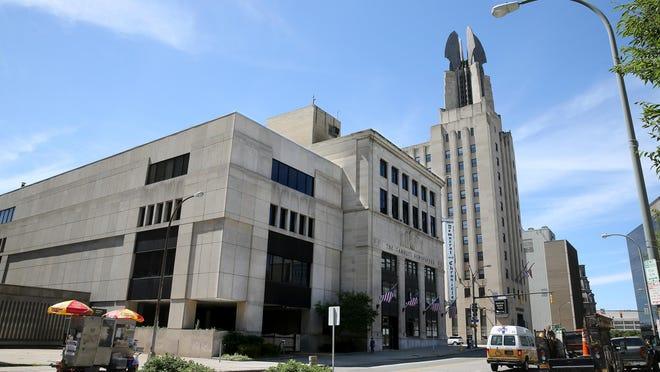 The Gannett building on Exchange Boulevard today.