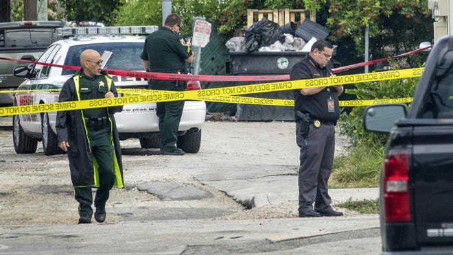 PBSO deputies investigate a murder in Lake Worth Beach on December 18, 2019.