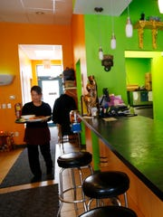 Rolling Wok Cafe offers Thai, Chinese and other Asian