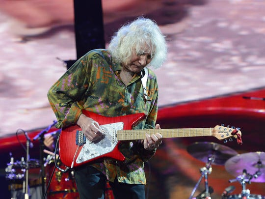 NEW YORK, NY - APRIL 13:  Albert Lee performs on stage