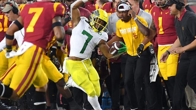 Oregon running back CJ Verdell carries the ball against Southern California during their game in 2019 at the Los Angeles Memorial Coliseum.
