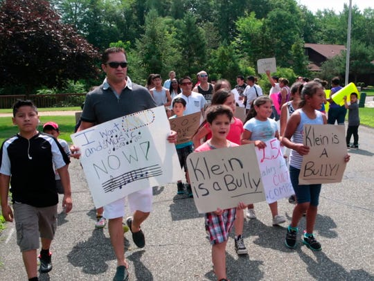 Protesters call for the resignation of East Ramapo