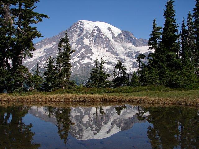 Mount Rainier - Wikimedia Commons