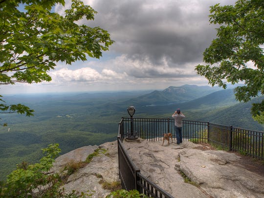 Caesars Head State Park offers a spectacular view of the surrounding mountains.