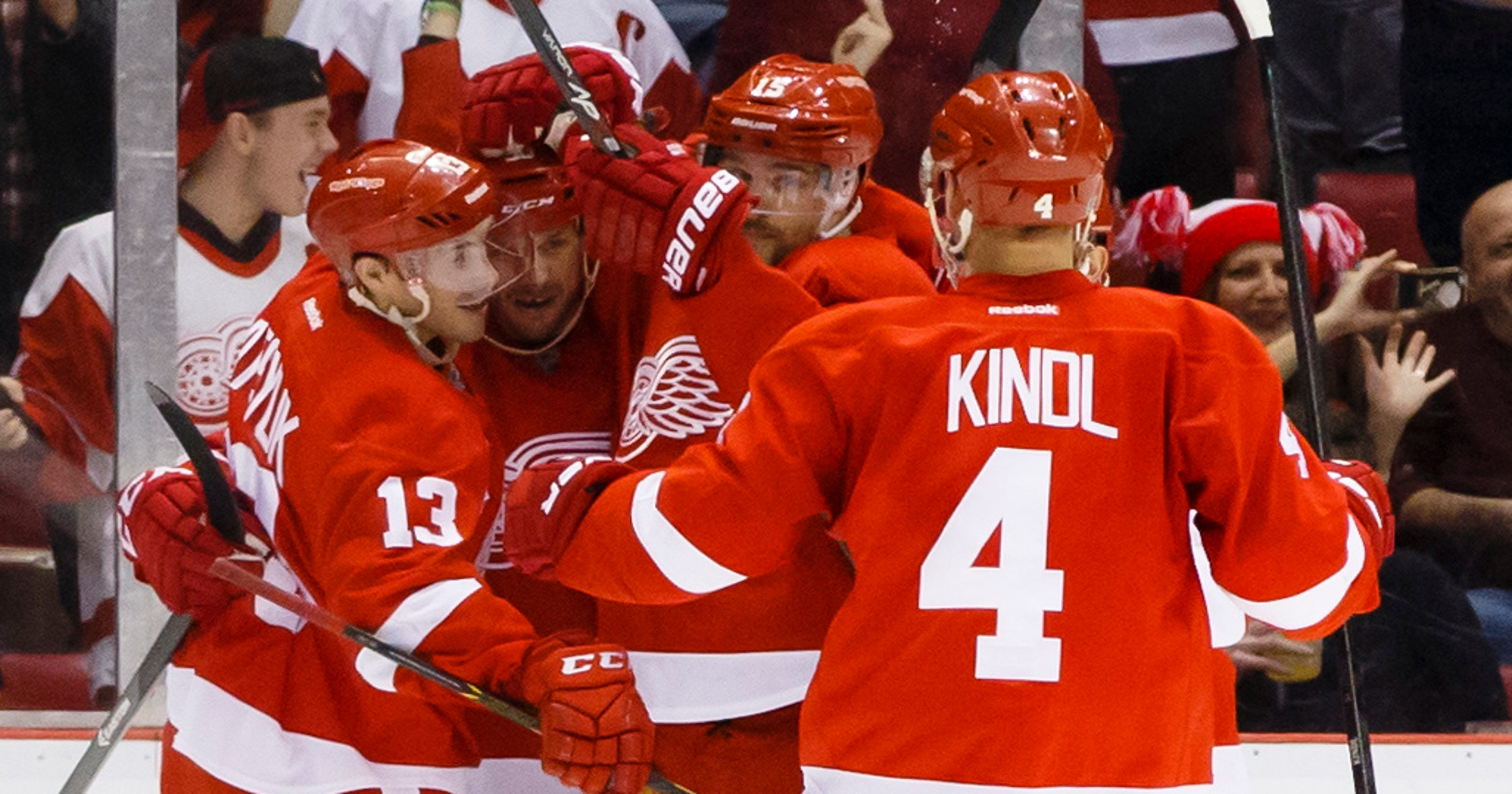 a0f5d2bd8 Pavel Datsyuk returns with two goals as Red Wings drub Flyers