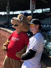 New pitcher We caught up with Evan the Otter and Wade McNabb, signee pitcher for the Evansville Otters at the Otters First Annual Fan Fest. McNabb is an Evansville native making his appearance on his hometown team.