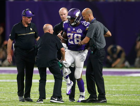 Adrian Peterson has torn meniscus, no timetable for return