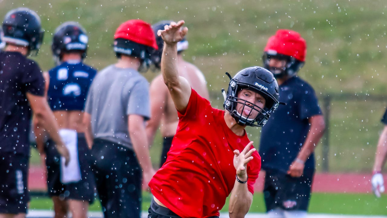 Pinckney football players and coach Rod Beaton talk about the change to a new league and the expectations for the 2017 season.