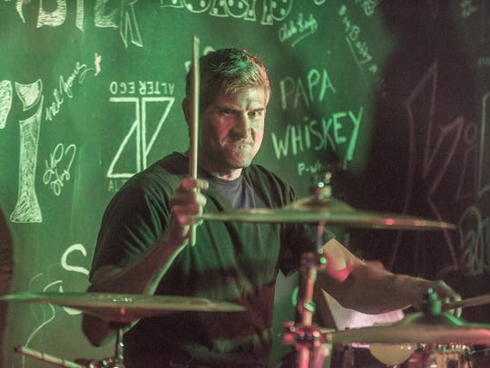Chris Ogden of 7 Hand Slap rocked The Thirsty Turtle
