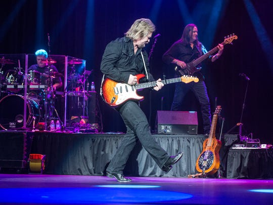 Country music great Travis Tritt will perform Saturday at the Saenger Theatre.