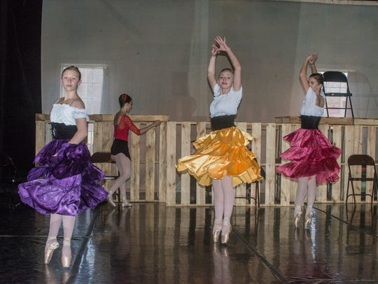 "Montgomery Ballet rehearses for ""Carmen"" in their new"