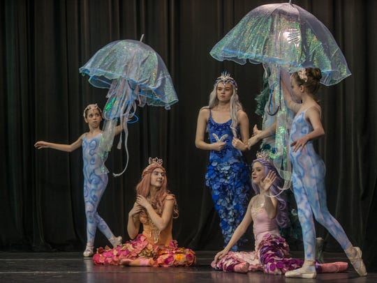 """The Alabama Dance Theatre rehearses for """"The Little"""