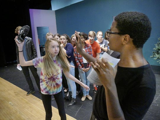 The Mouse King (Malachi Sauls) threatens the children.