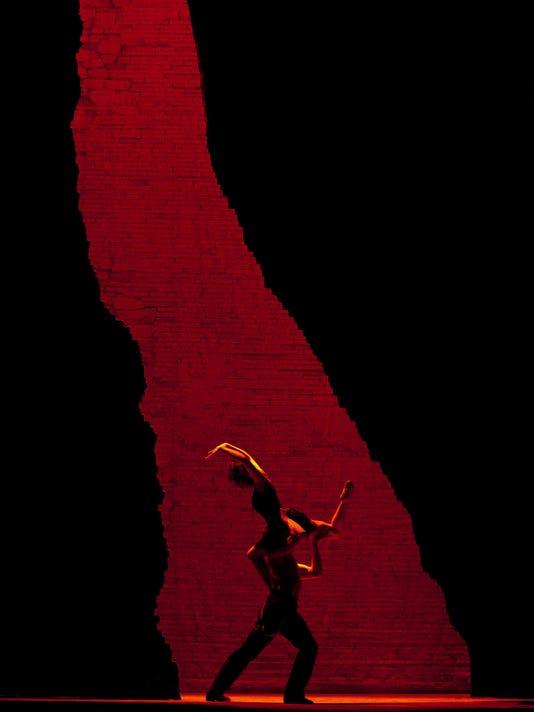 MET carmen dancers overture_5392_1.jpg