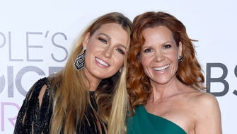 The people have spoken! Check out the celebrities on the People's Choice Awards 2017 red carpet, at Microsoft Theater, on Jan. 18, 2017 in Los Angeles. Blake Lively, left, and Robyn Lively  get close upon arrival.