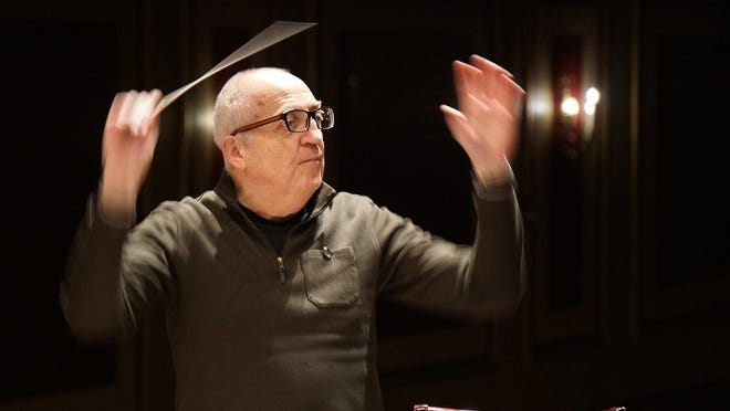 Bramwell Tovey leads the R.I. Philharmonic and youth symphony in a rehearsal in January.