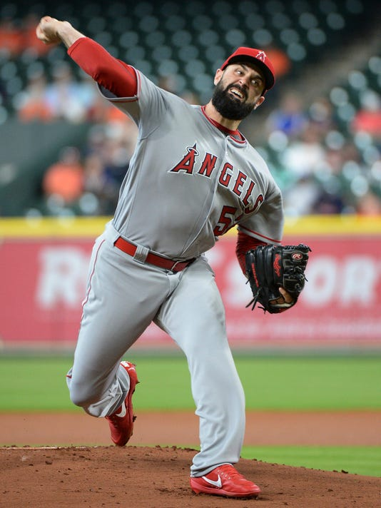 Los Angeles Angels starter Matt Shoemaker pitches against the Houston Astros in the first inning of a baseball game Thursday, April 20, 2017, in Houston. (AP Photo/George Bridges)