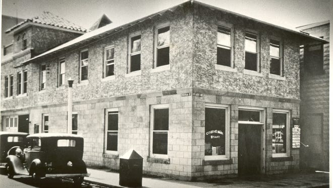 The site of Citizens Bank of Stuart in 1933. It's now the Vine and Barley Restaurant.