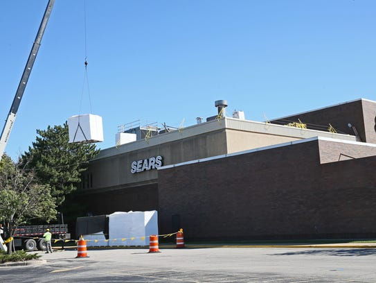 Sears at Brookfield Square will close its Auto Center