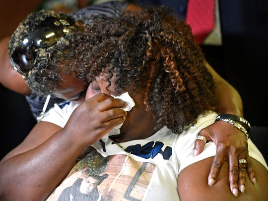 Jocques Clemmons' mom Sheila Clemmons Lee is comforted