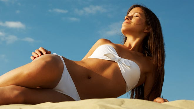 There are multiple methods to achieving coppery, glowing skin regardless of the tanning index outdoors.