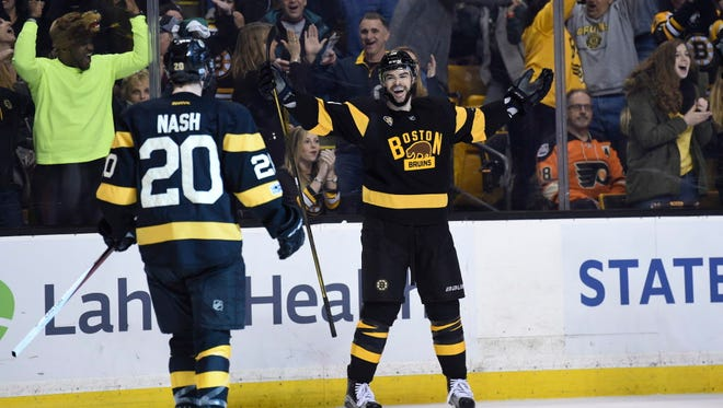 Boston Bruins forward Drew Stafford (19) reacts after his game-winning goal with 5.6 seconds left against the Flyers.