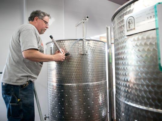 SPJ Sunset Point Winery 01.JPG