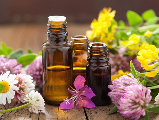 021017essential-oils-ThinkstockPhotos-502931693.jpg
