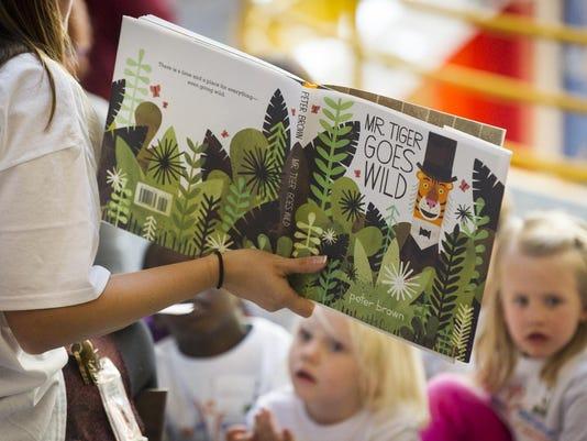 Gunniss World Record: World's Largest Vocabulary Lesson