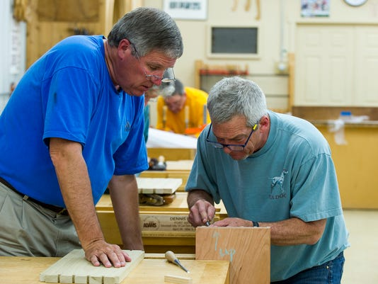 Fine Woodworking School Draws Hundreds To Whiteland