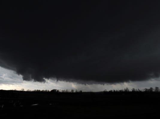 -73_-tornado.jpg_20120302.jpg