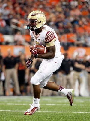 Redshirt sophomore tailback Mario Pender (7) scored an 11-yard touchdown on the first carry of his FSU career.