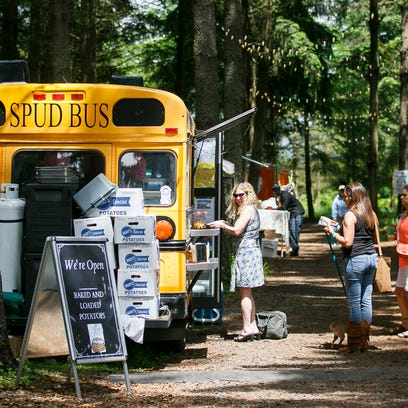 Stayton delays enacting licensing food carts
