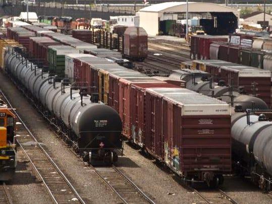 -Oil Train Safety_Hert.jpg_20140303.jpg