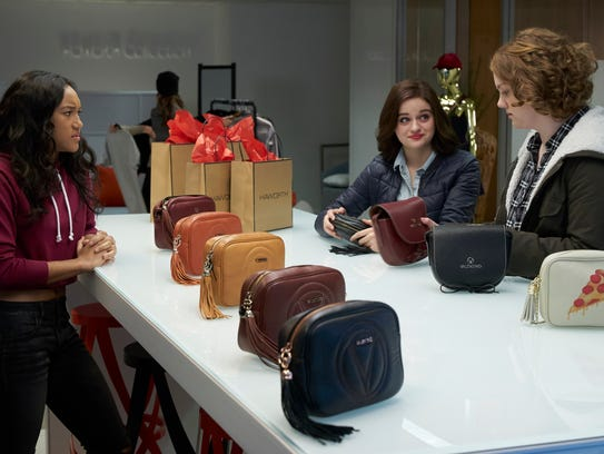 Hey everyone, let's buy purses! It's shopping time