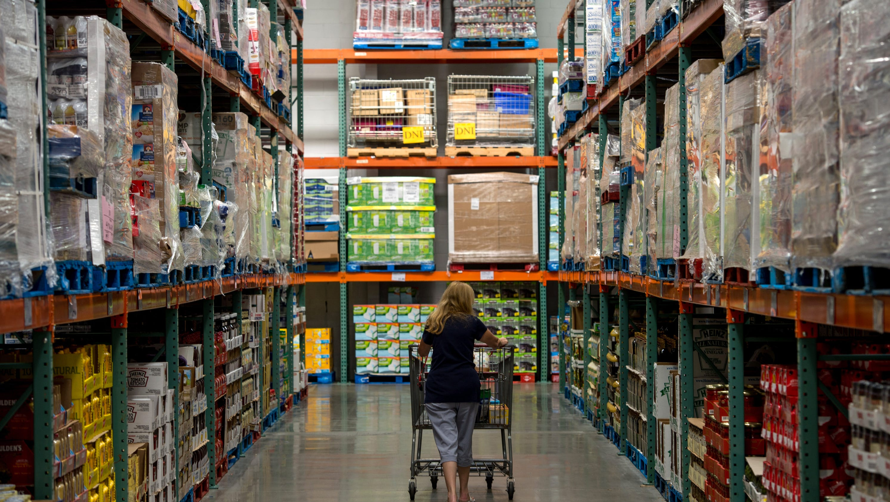 wal mart and costco Costco wholesale (nasdaq:cost) is a great company with a pricey stock i shop at costco my late father loved costco i have owned costco stock but at $243 per share, its opening price on.
