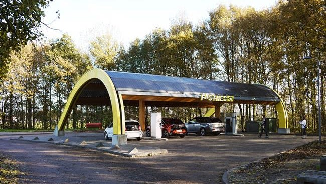 By the end of 2016, Dutch residents will be able to use 201 fast-charging stations.