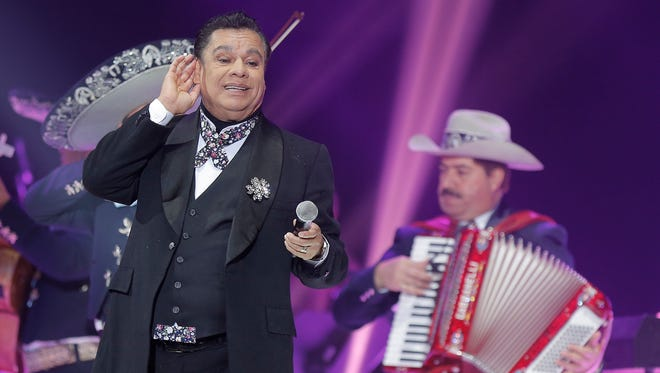 "Juan Gabriel is shown at a 2015 concert in El Paso on his ""Noa Noa"" Tour."