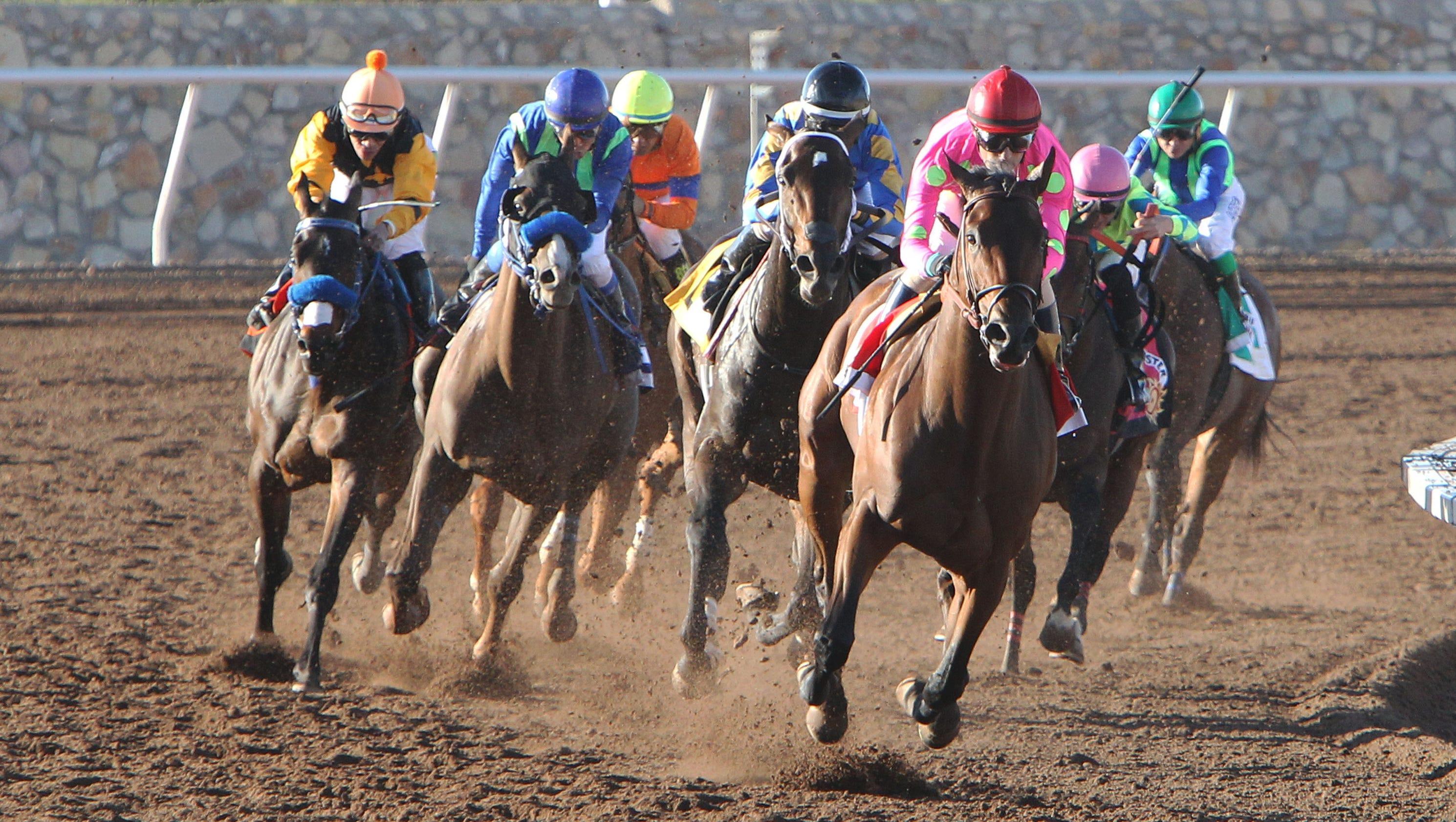 Route du Kentucky Derby/Kentucky oaks 2015 - Page 2 635626648686810796-Firing-Line---The-Sunland-Park-Derby---13th-Running---03-22-15---R11---SUN---Turn-
