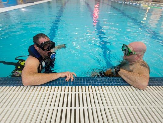 636546502201924809-20180219-firefighter-dive-training-0020.jpg