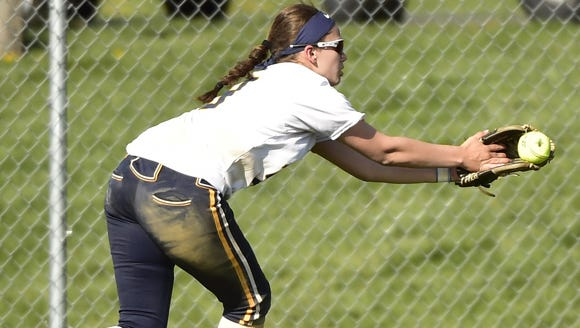 Greencastle's Jess Root  tries to make a catch in a