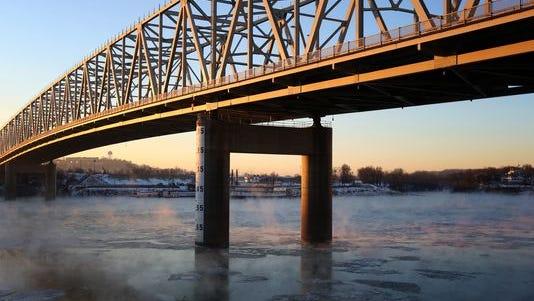 Taylor-Southgate Bridge over Ohio River