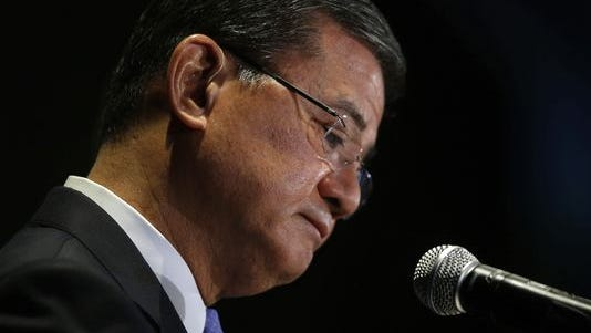 Veterans Affairs Secretary Eric Shinseki pauses while speaking at a meeting of the National Coalition for Homeless Veterans on May 30, 2014.