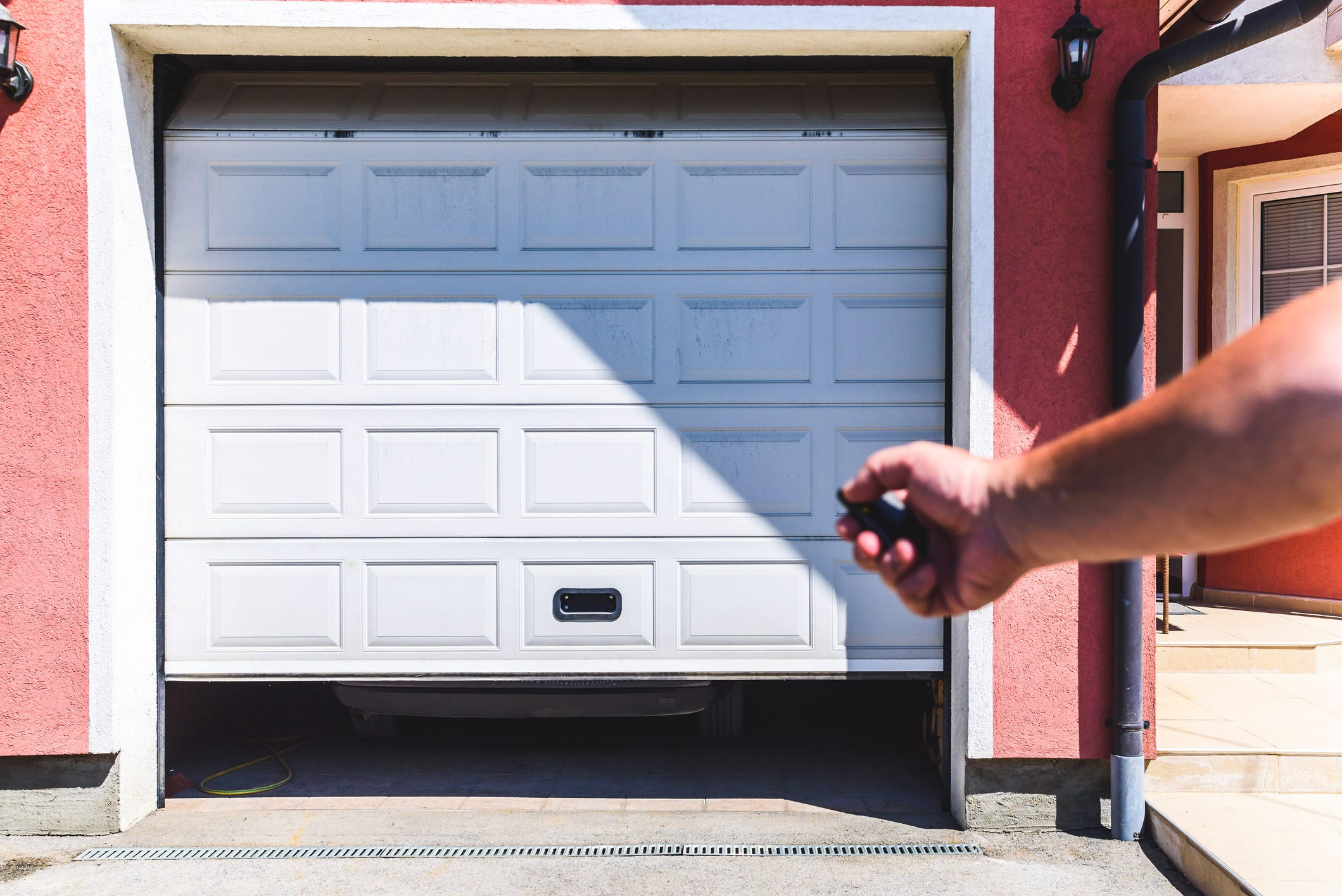 & Does opening the garage door a crack keep your house cooler?