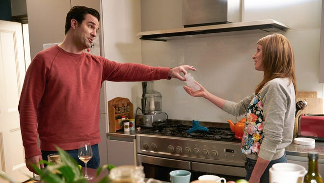 Rob Delaney and Sharon Horgan co-star in Amazon's 'Catastrophe'