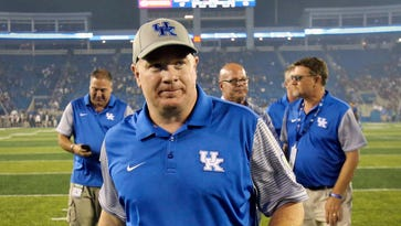 Stoops shakes off dissent on call-in show